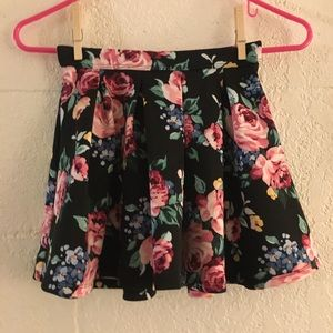 Girls 9/10 Abercrombie Kids Floral Pleated Skirt